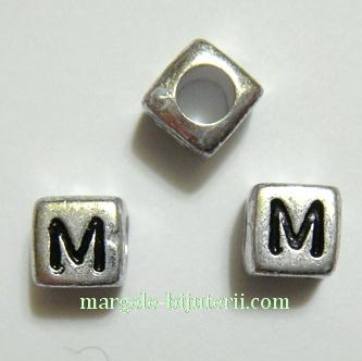 Margele alfabet, plastic argintiu, cubice 6x6x6mm, litera M 1 buc