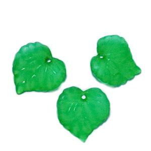 Frunza acrilica, frosted, verde, 16x15x2mm 1 buc