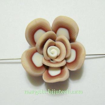 Margele polymer, floare maro cu alb, 26x12mm 1 buc