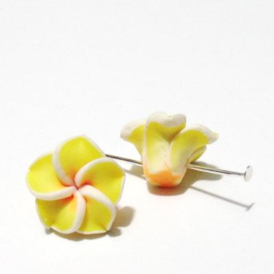 Margele polymer, floare plumeria galbena, cu 5 petale, 15x9mm 1 buc
