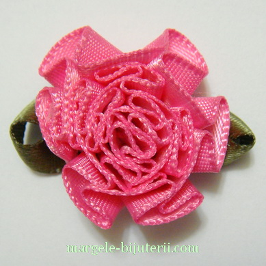 Floare saten roz inchis, lucrata manual, 33x27x12mm 1 buc