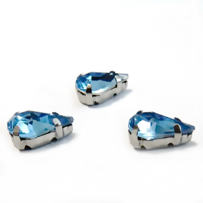 Margele montee rhinestone, plastic, albastru deschis, lacrima 13x8x5mm 1 buc