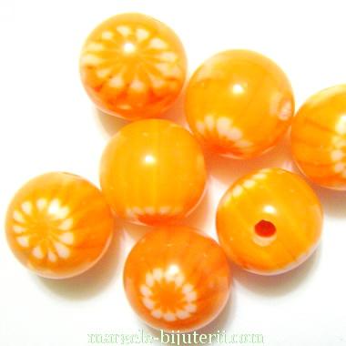 Margele rasina, portocalii cu floricele albe, 12mm 1 buc