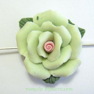 Margele portelan, lucrate manual, floare verde deschis, 23x11mm 1 buc