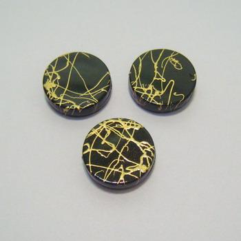 Margele plastic plate negre cu auriu 18mm 1 buc