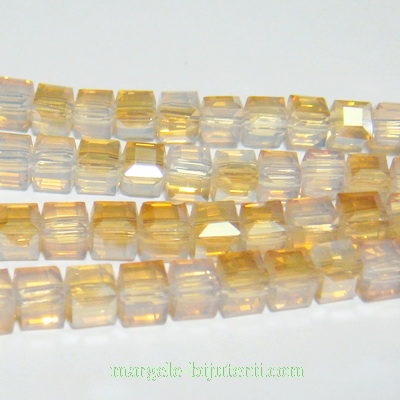 Margele sticla, cubice, electroplacate, aurii, 6x6x6mm 1 buc