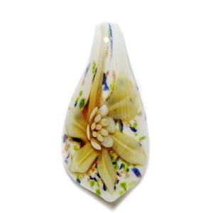 Pandantiv Murano alb cu flori aurii,  cu glitter auriu, 54x27mm 1 buc
